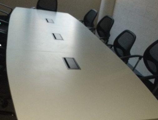 Mesa conferencia