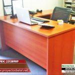 escritorio operativo con faldon largo